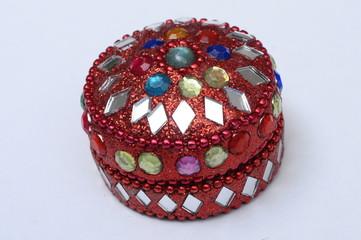 Brilliant small round box