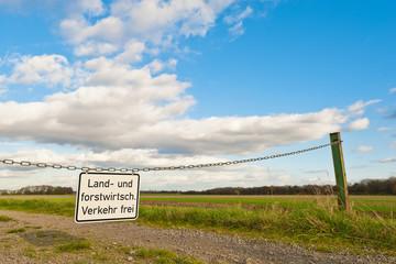 Landwirtschaftlicher und forstwirtschaftlicher Verkehr frei