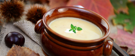 Frische Maronensuppe