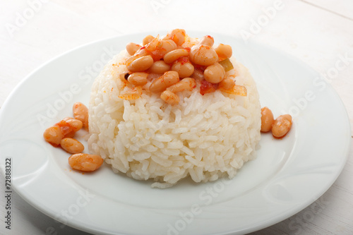Bean and Pilaf - 72888322