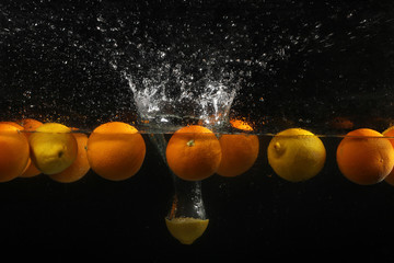 Water splash lemon
