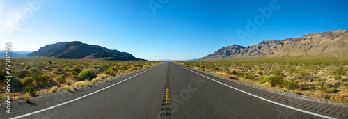 Foto op Plexiglas Eiland Panoramic Open Road