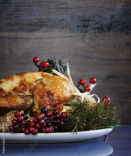 Aluminium Vlees Festive Thanksgiving or Christmas roast turkey chicken