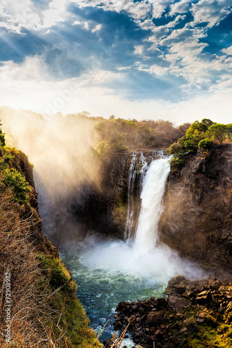 Papiers peints Cascades The Victoria falls with dramatic sky