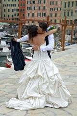 abbraccio da sposi