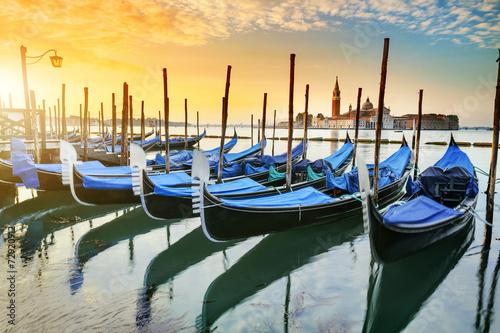 Zdjęcia na płótnie, fototapety na wymiar, obrazy na ścianę : Gondolas in Venezia