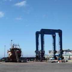 Zone portuaire d'entretien des bateaux.