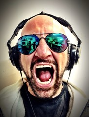 Just a Crazy screaming Dj!