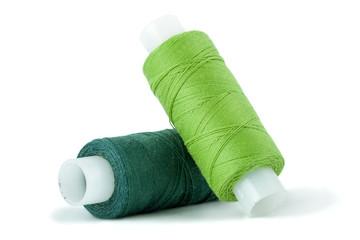 Швейные нитки на катушке