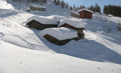 villaggio con neve