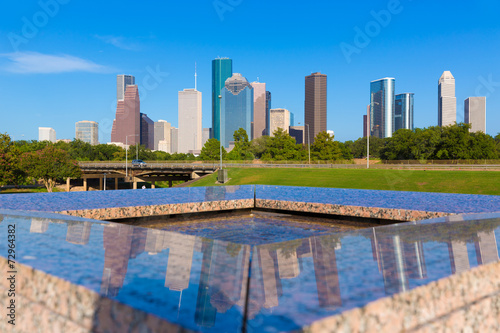 In de dag Texas Houston skyline and Memorial reflection Texas US