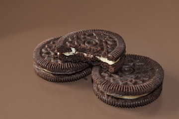 Oreo. Chocolate cookies with creme filing