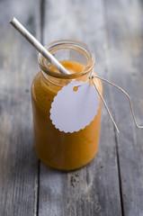 Karottensmoothie mit Äpfeln