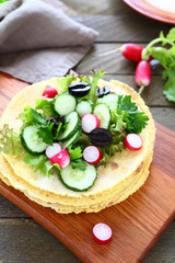 Pita with cucumber salad
