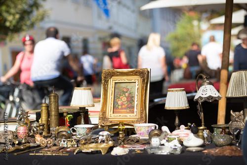 Sunday flea market. - 72978137