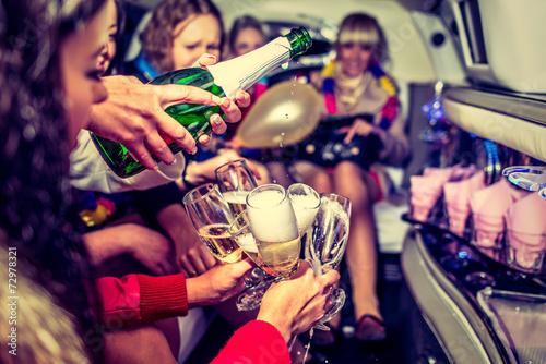 Leinwanddruck Bild Hen-party with champagne