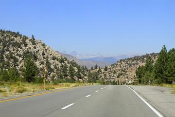 road to Mammoth Lake