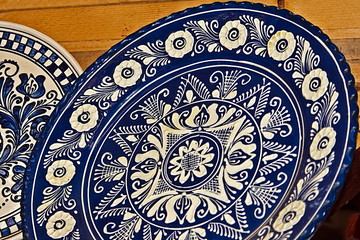 Detail of Romanian traditional pottery-6