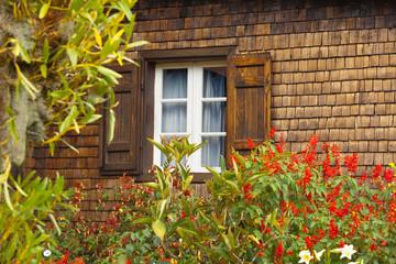 fenêtre de maison créole