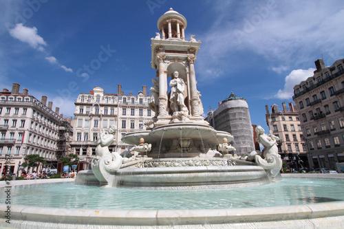 Papiers peints Fontaine La fontaine de la Place des Jacobins