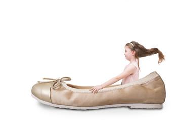 Bambina con scarpa ballerina