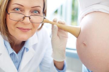 Job of obstetrician