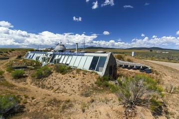 Autarke Lehmbauten mit Solarenergie, USA