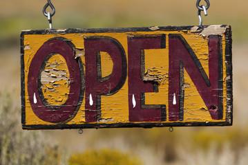 Geöffnet - open, Schild bei Taos, USA