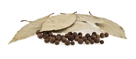 laurel leaves and pepper