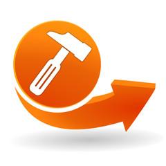 marteau sur bouton web orange
