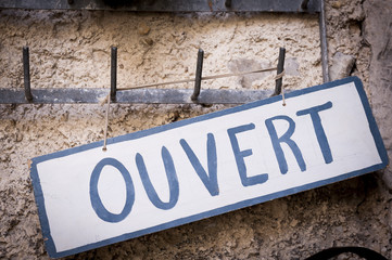 Panneau Ouvert