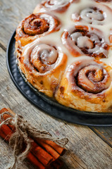cinnamon rolls with cream icing