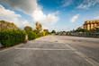 Posteggio auto, parcheggio pubblico, automobili parcheggiate - 73057525