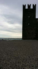 Castello riva lago