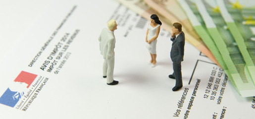 Impôts sur les revenus