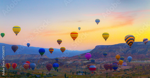 Poster Ballon Hot air balloons sunset