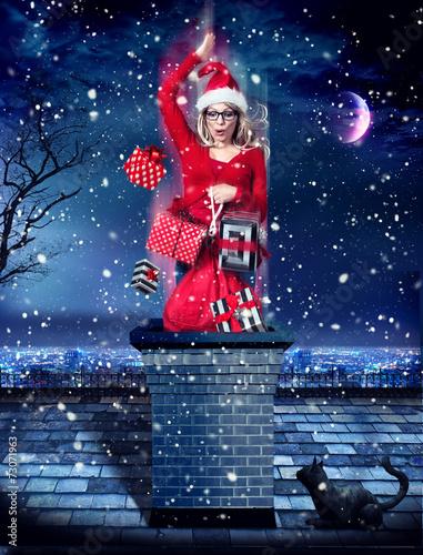 Santa springt in Kamin - Santagirl 03 - 73071963