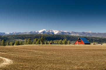 barn in mountain view range, colorado