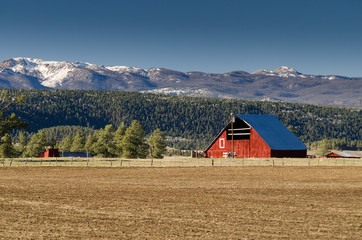 barn in mountain view range, colorado