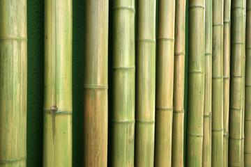 Aneinandergereihte Bambushölzer