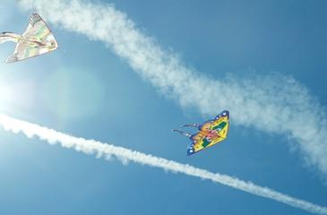 Два воздушных змея.