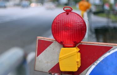red lamp to signal roadworks