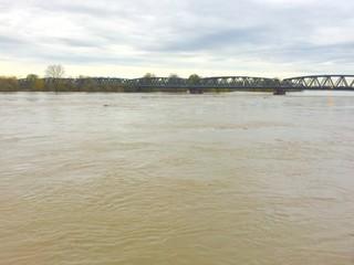 fiume po in piena