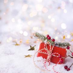 Weihnachtsgeschenk im Schnee, Hintergrund, Gutschein