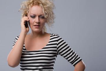 Am Telefon genau zuhören