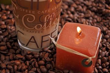 Kaffee und Kerze
