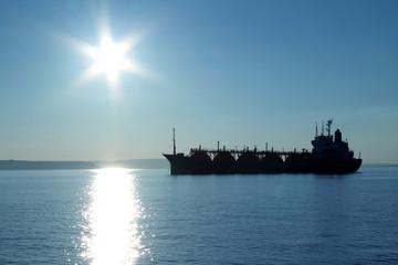 silhouette tanker