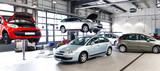 moderne Autowerkstatt // Car repair workshop