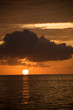 canvas print picture - Sonne versinkt im Meer