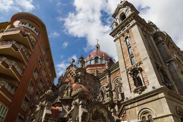 Torres y Cupula de Iglesia de San Juan el Real en Oviedo